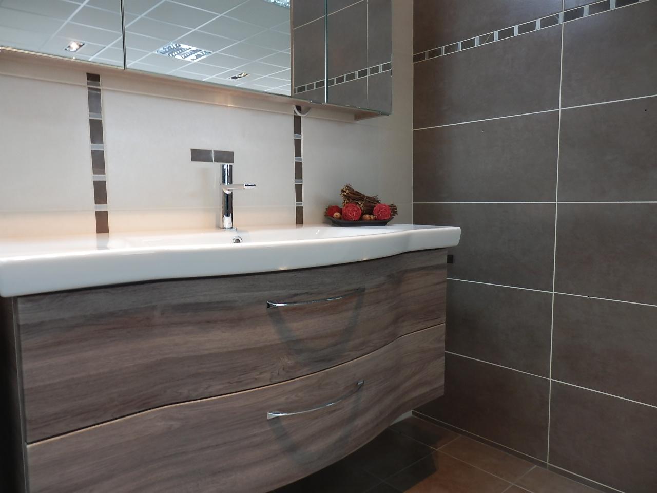 Carrelage salle de bain couleur creme