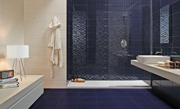 Carrelage salle de bain bleu nuit - Idée de maison et déco