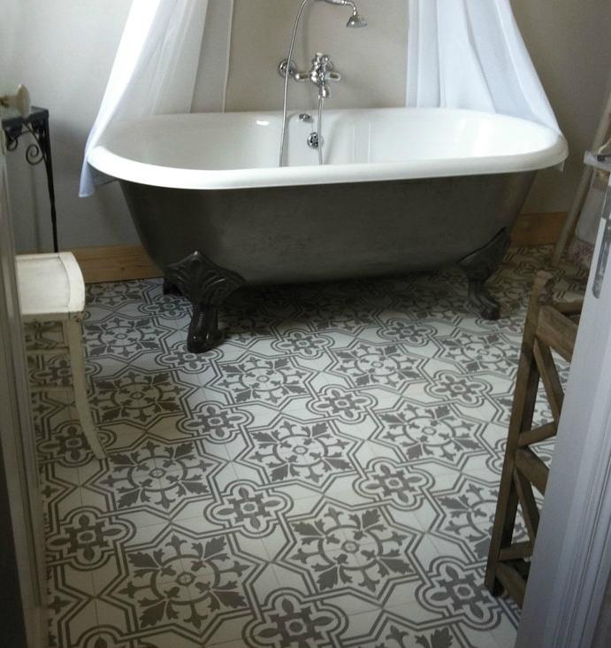 Carrelage salle de bain imitation carreaux de ciment