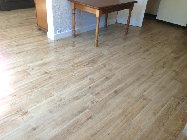 Carrelage imitation parquet sans colle