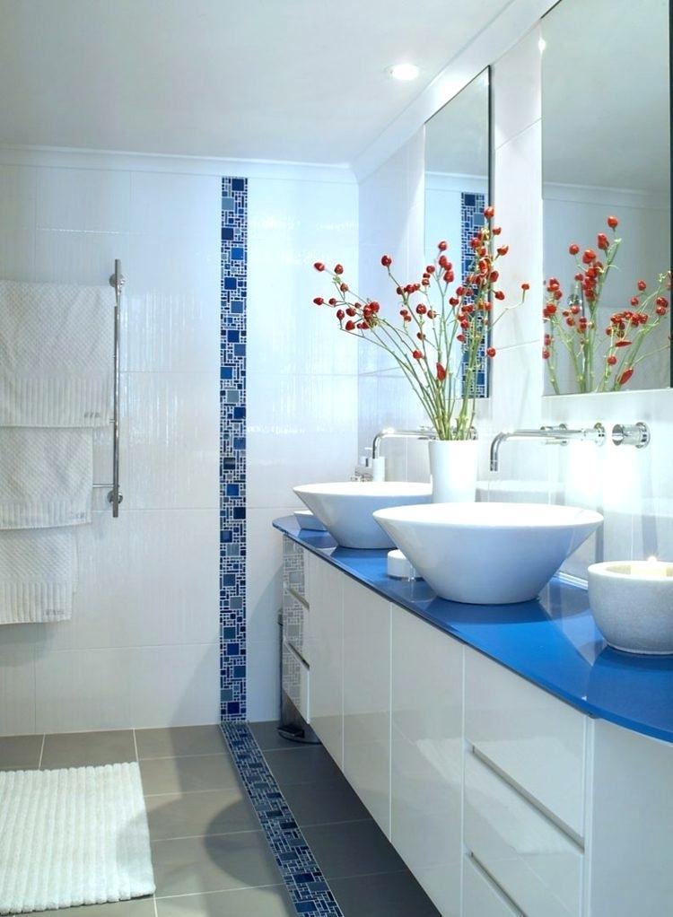 Carrelage salle de bain frise verticale - Idée de maison et déco