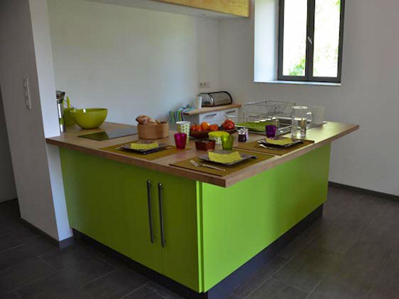 Meuble de cuisine vert pomme id e de maison et d co - Cuisine vert pomme ...