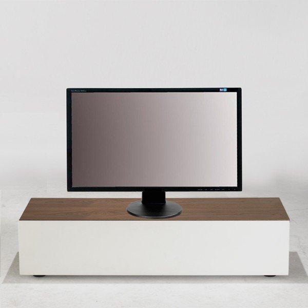 Meuble tv blanc dessus bois