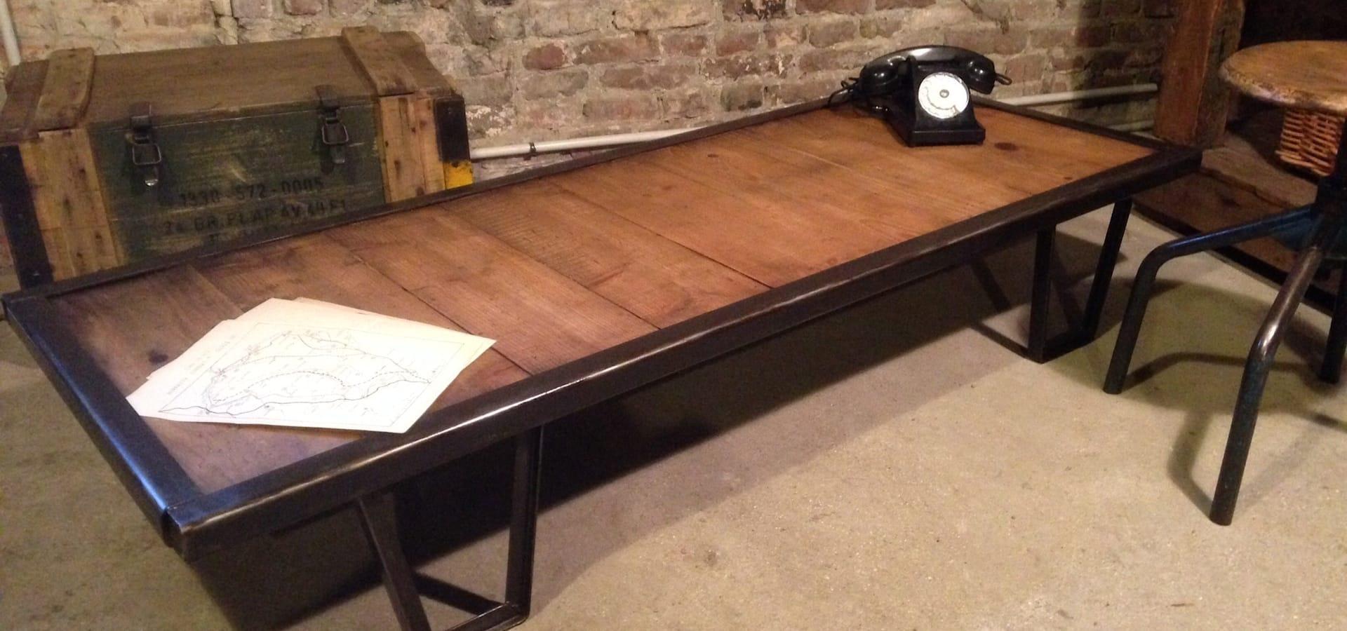 Table basse industrielle ancienne