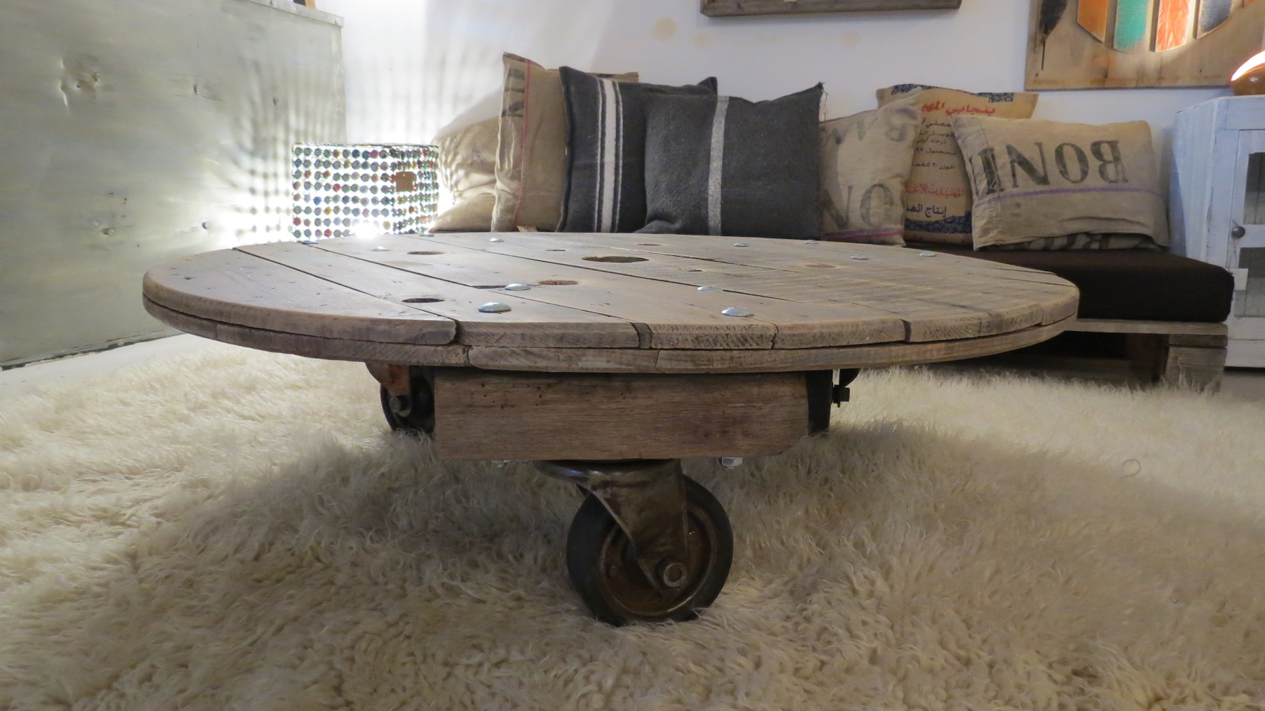 Table basse ronde roulettes