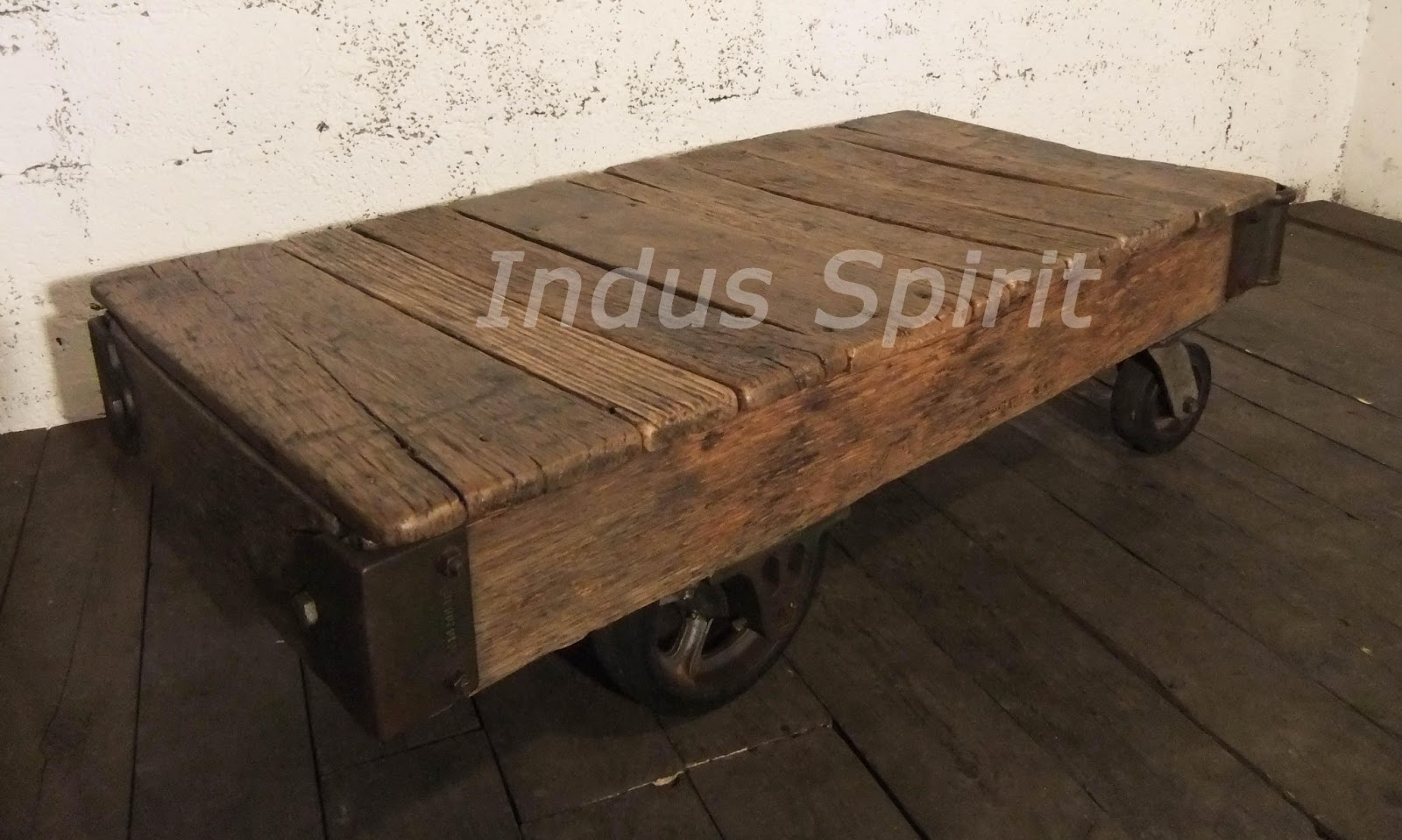 Table basse industrielle chariot