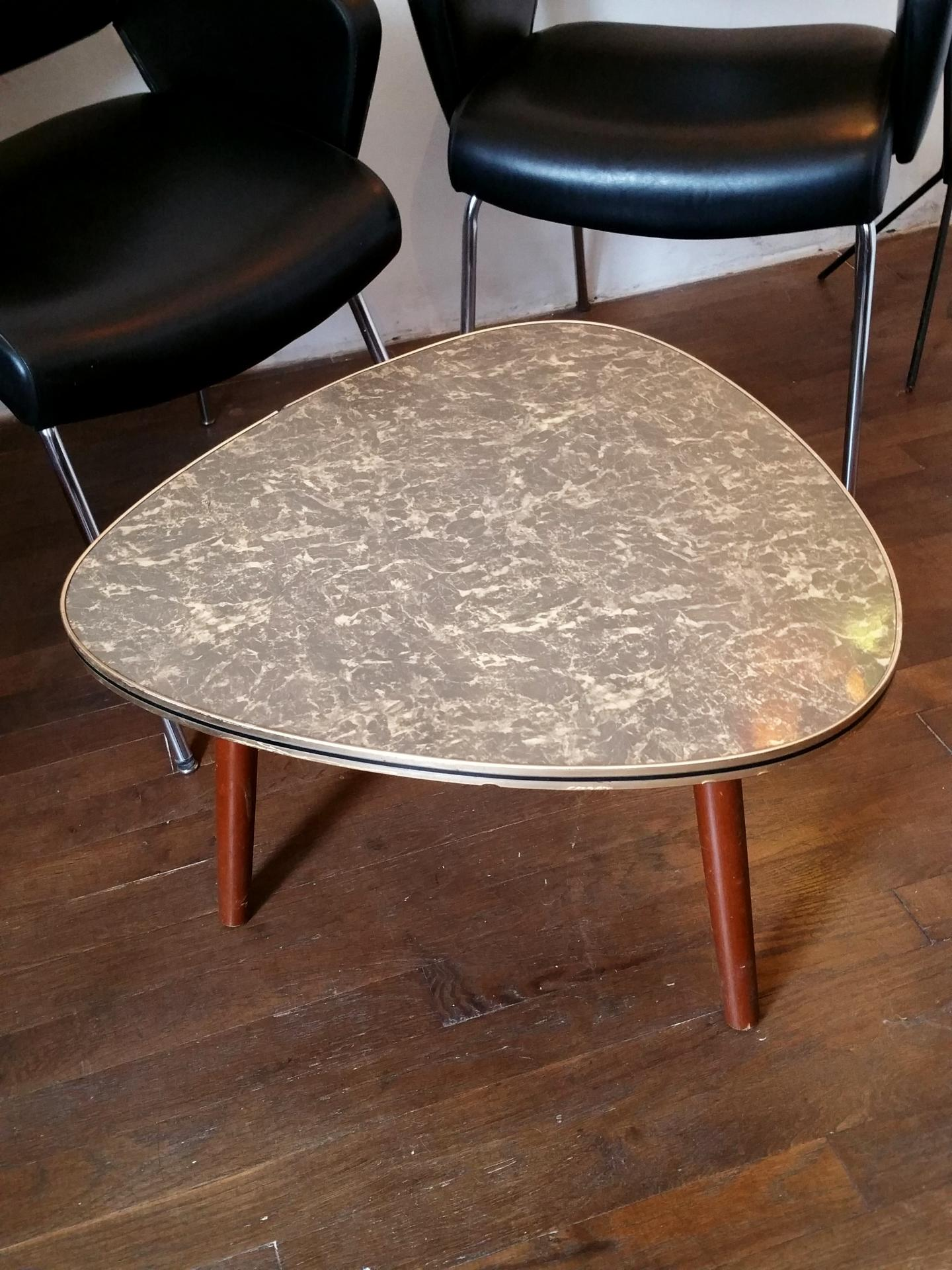 Table basse tripode marbre