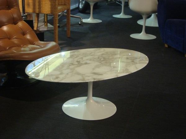 Table basse marbre saarinen
