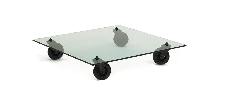 Table basse en verre sur roues