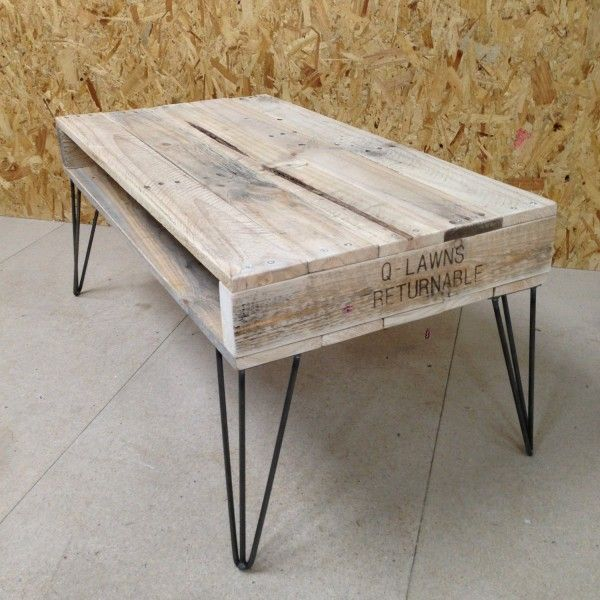Table basse vintage bordeaux