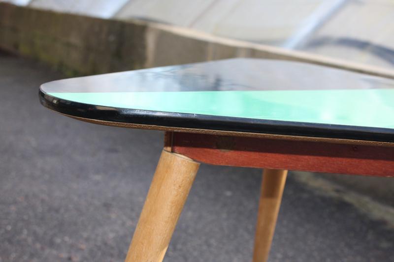 Table basse en formica vintage